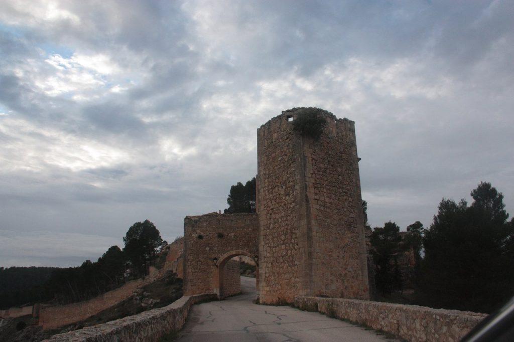 Puerta del Calabozo de Alarcón